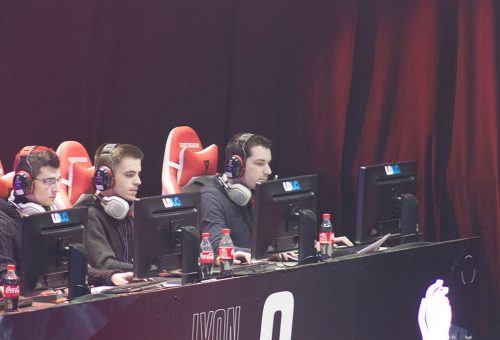 Lyon_Esport_9_-_Team_Leveldown_(Loupio,_Ika,_Aypierre)