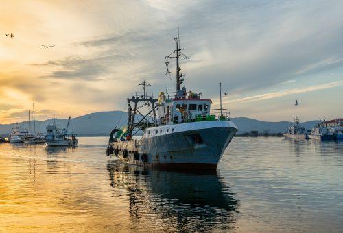 fishing-vessel-3855153_1920