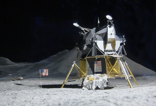 moon-landing-193761_1280.jpg