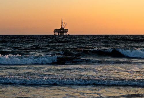 oil-rig-2191711_1920.jpg